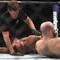 Võ sĩ UFC suýt chết trước đòn khóa của đối thủ