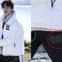 """Làm KOL """"có tâm"""" như Jin: Mặc quần Puma khi đang quảng cáo cho Fila nên đành dán băng dính đậy logo lại!"""