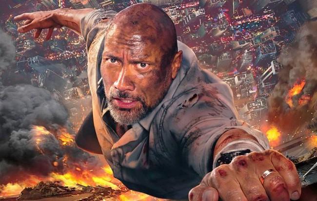 """Siêu anh hùng có là gì, hãy xem The Rock """"phá đảo"""" cả tòa tháp chọc trời  đây này!"""