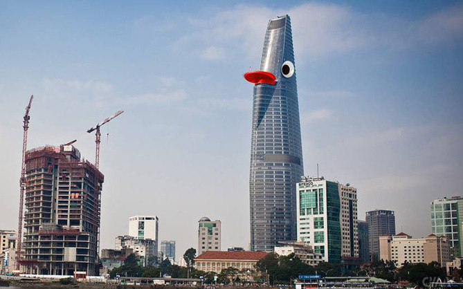 Cư dân mạng chợt nhận ra tòa nhà Bitexco chỉ cần gắn thêm mắt là thành con thú mỏ vịt khổng lồ