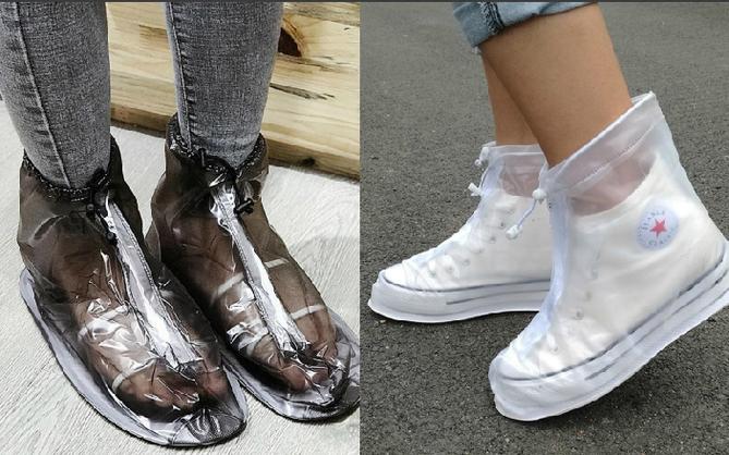 Cứ mưa bẩn thế này thì cũng đến mức phải sắm mấy cái bao giày đi mưa thôi