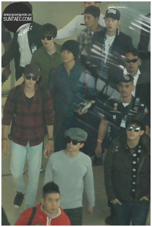 Nichkhun xuất hiện cùng thành viên 2PM ở Thái 2
