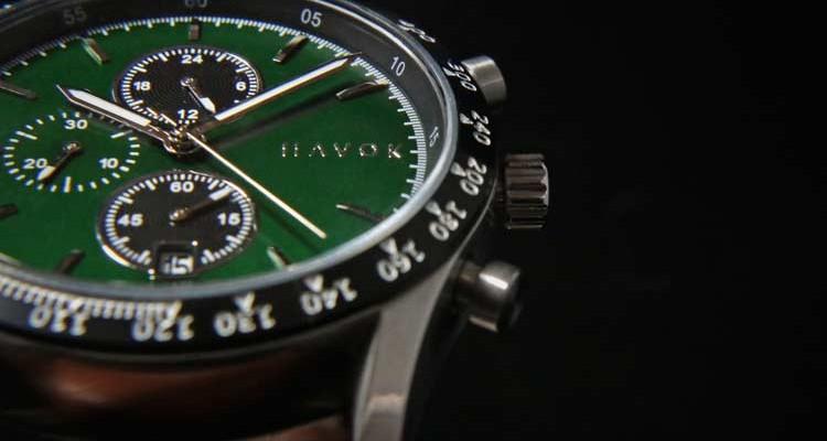 Đồng hồ đeo tay giá rẻ dành cho dân mê xe đua - Ảnh 2.