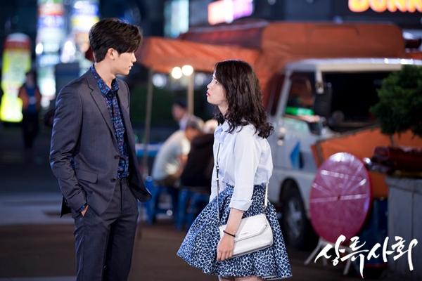 """5 cái kết """"lãng xẹt"""" của phim truyền hình hot xứ Hàn năm 2015 - Ảnh 12."""