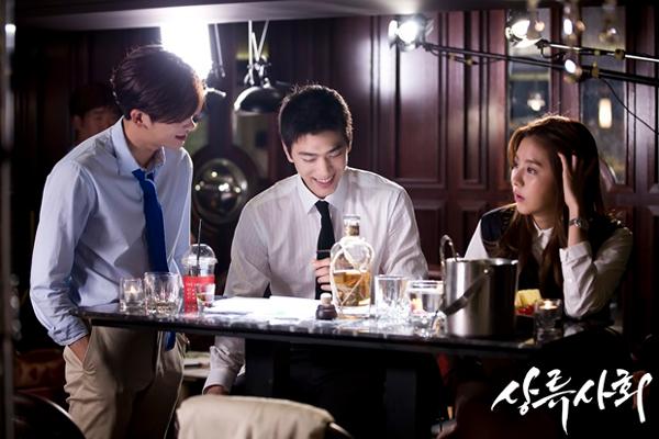 """5 cái kết """"lãng xẹt"""" của phim truyền hình hot xứ Hàn năm 2015 - Ảnh 14."""
