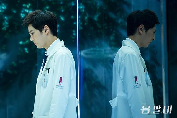 """5 cái kết """"lãng xẹt"""" của phim truyền hình hot xứ Hàn năm 2015 - Ảnh 16."""