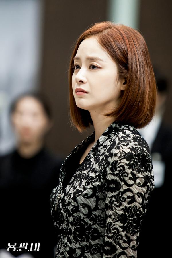 """5 cái kết """"lãng xẹt"""" của phim truyền hình hot xứ Hàn năm 2015 - Ảnh 18."""