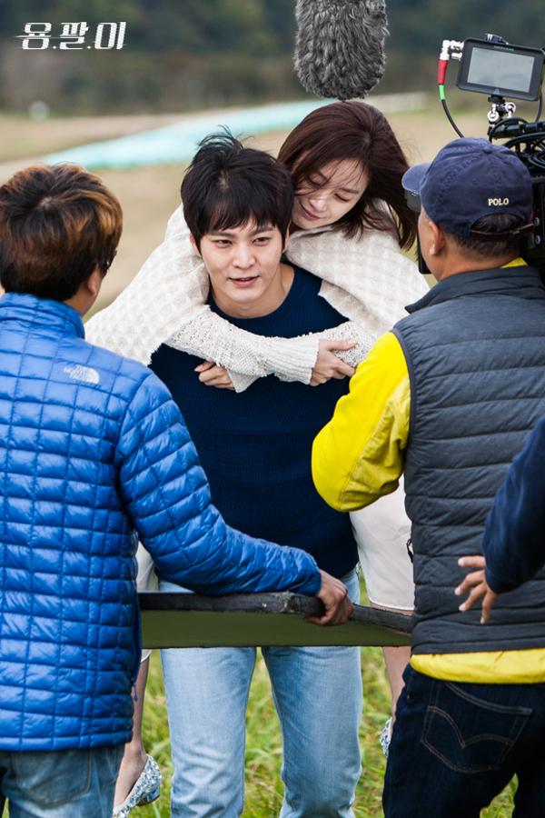 """5 cái kết """"lãng xẹt"""" của phim truyền hình hot xứ Hàn năm 2015 - Ảnh 19."""