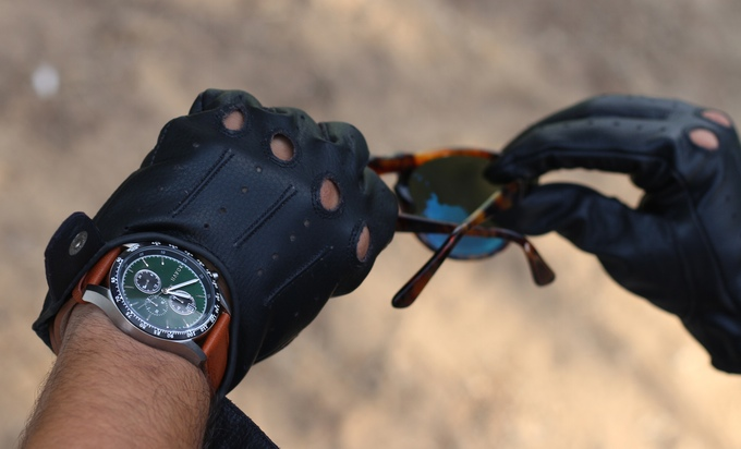 Đồng hồ đeo tay giá rẻ dành cho dân mê xe đua - Ảnh 7.