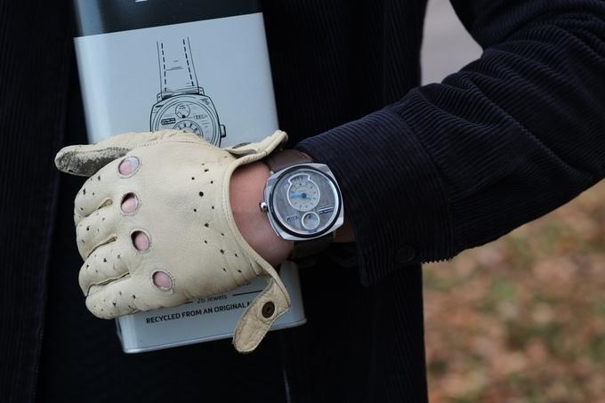 Đồng hồ lịch lãm được làm từ vỏ xe hơi Mustang cổ - Ảnh 5.