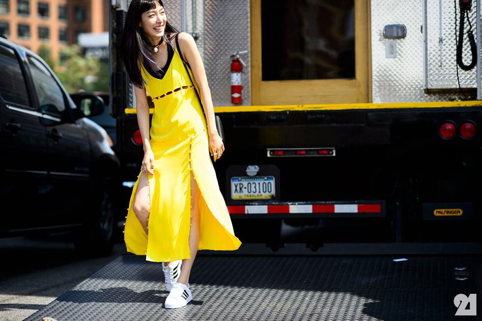 Zara, H&M, Topshop đang dần thất thế trước thời trang thể thao? - Ảnh 2.