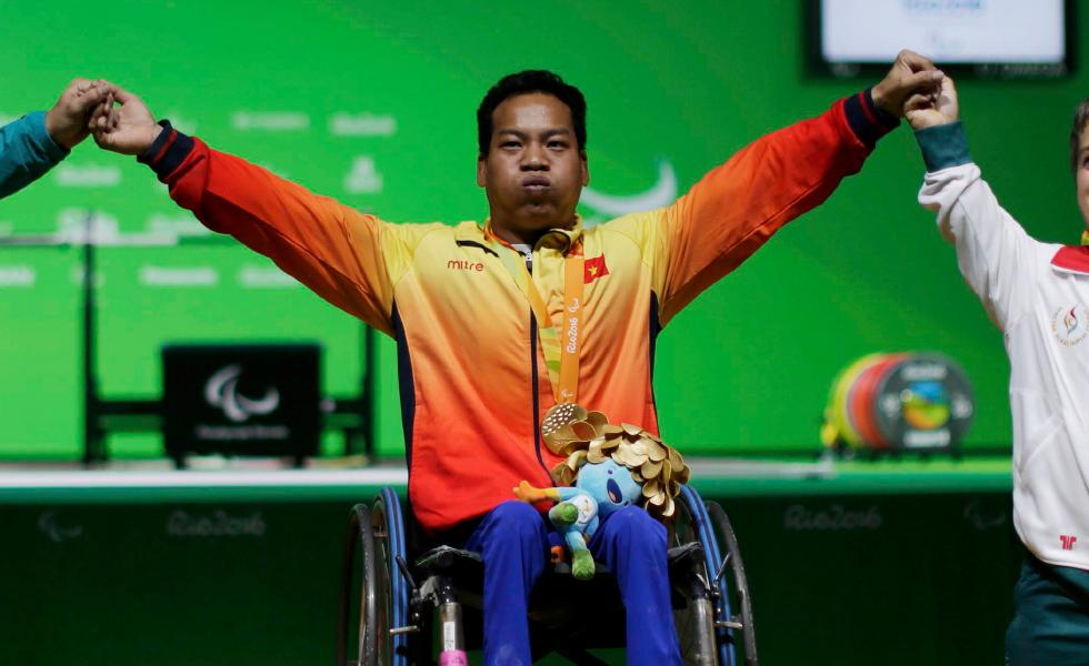 """Lê Văn Công: """"Khi ý thức được mình thiếu đôi chân thì đôi tay tôi đã mạnh mẽ lắm rồi!"""" - Ảnh 13."""
