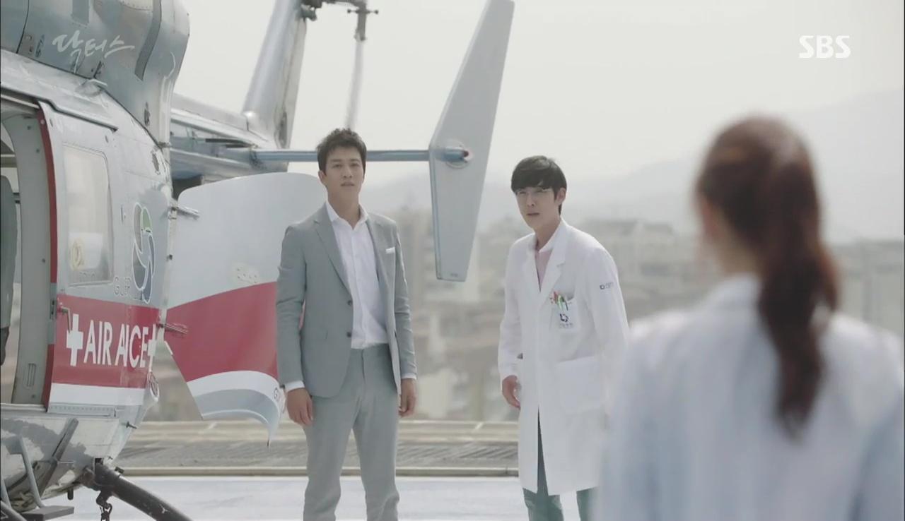"""Có một người sau 13 năm đã tái ngộ Park Shin Hye trong """"Doctors"""" - Ảnh 3."""