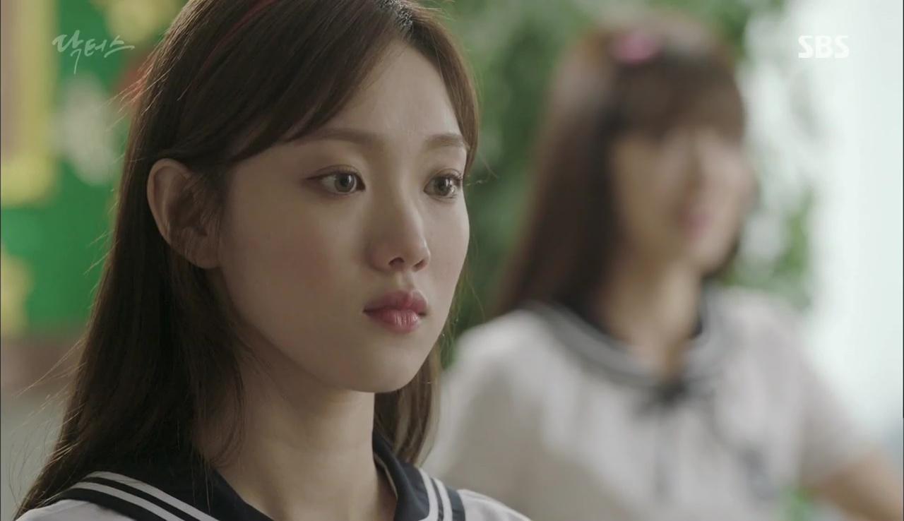 """""""Doctors"""": Lee Sung Kyung phát ghen với Park Shin Hye vì bạn được thầy khen - Ảnh 5."""