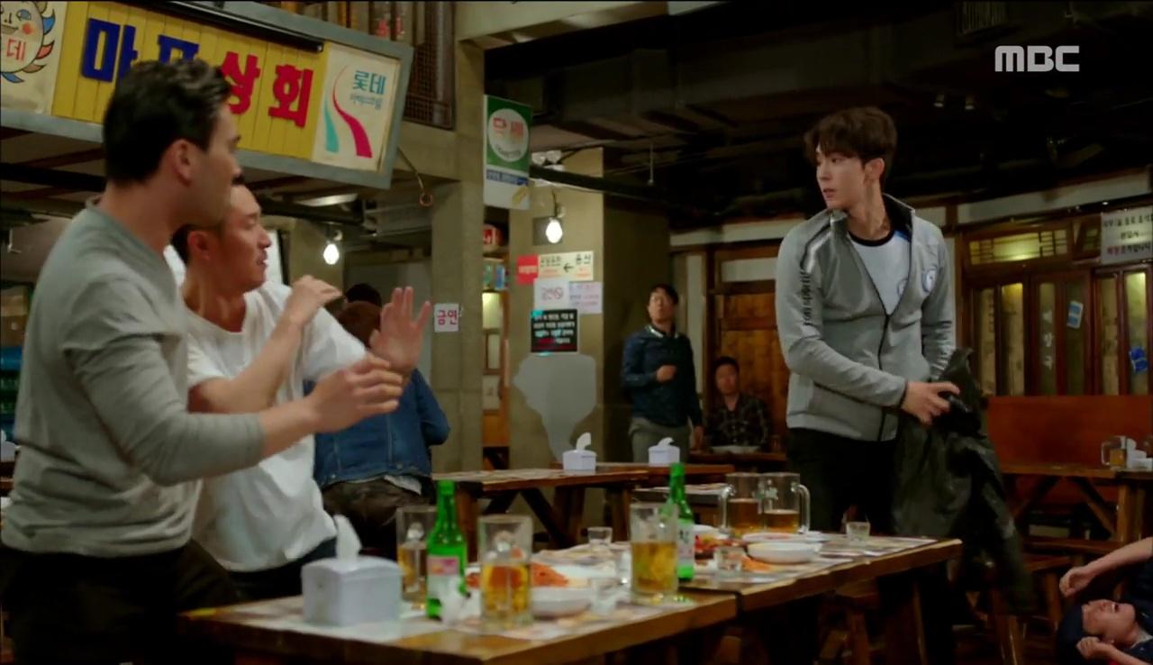 """""""Tiên Nữ Cử Tạ"""": Nam Joo Hyuk nổi máu anh hùng, không ngại ẩu đả vì Lee Sung Kyung - Ảnh 6."""