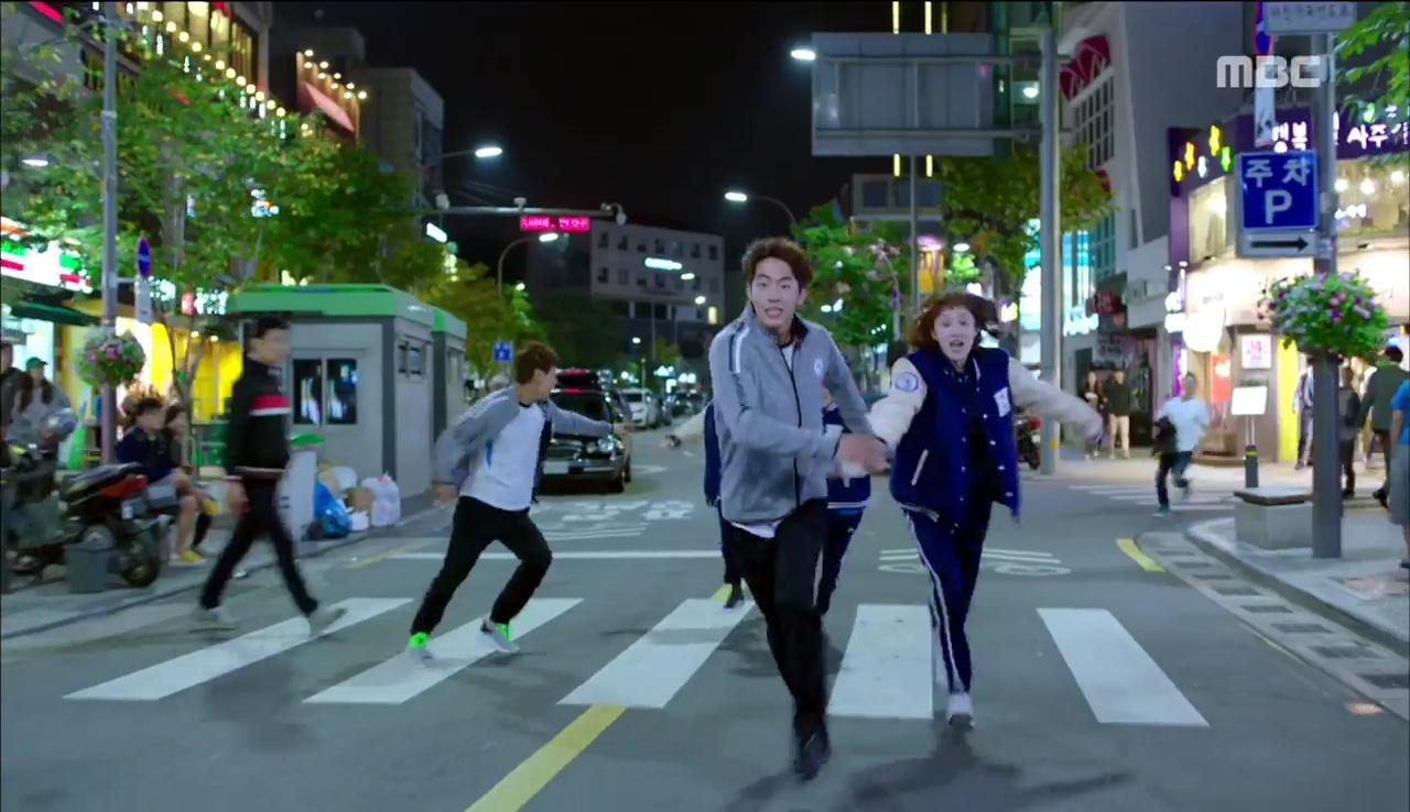 """""""Tiên Nữ Cử Tạ"""": Nam Joo Hyuk nổi máu anh hùng, không ngại ẩu đả vì Lee Sung Kyung - Ảnh 7."""