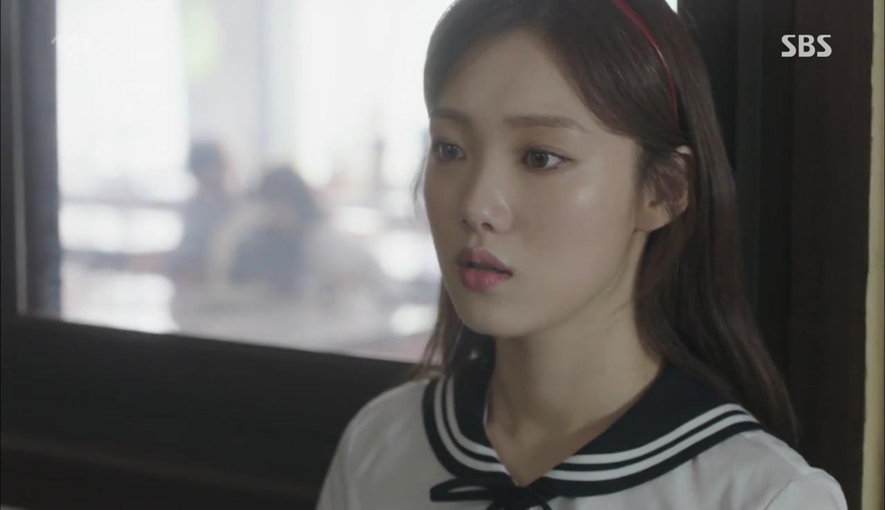 """""""Doctors"""": Lee Sung Kyung phát ghen với Park Shin Hye vì bạn được thầy khen - Ảnh 10."""