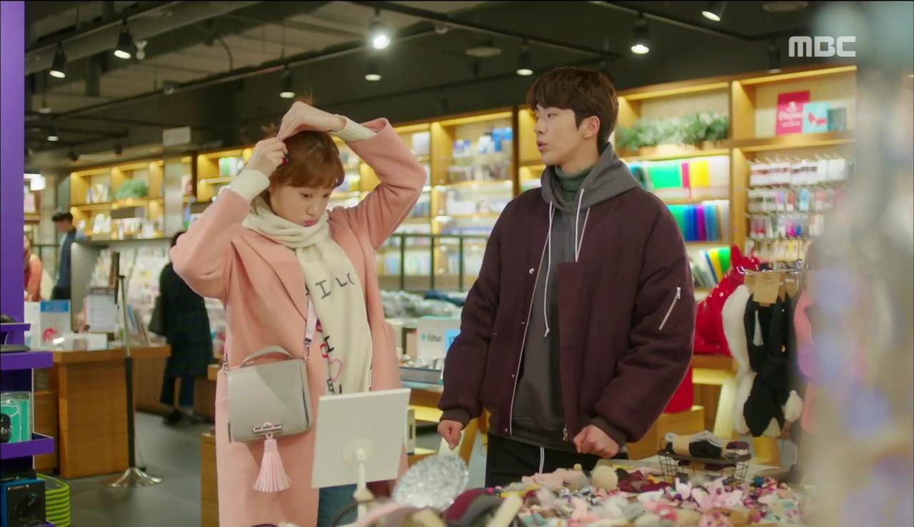 """Đến lượt cô ngố Lee Sung Kyung nếm mùi ghen tuông trong """"Tiên Nữ Cử Tạ"""" - Ảnh 10."""