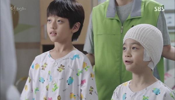 Doctors: Tí nữa thôi, Kim Rae Won – Park Shin Hye đã có cảnh giường chiếu - Ảnh 28.