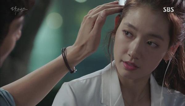 """""""Doctors"""": Vừa từ chối Lee Sung Kyung, Yoon Kyun Sang đã bị bà cô cưa cẩm - Ảnh 16."""