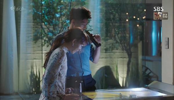 """""""Doctors"""": Vừa từ chối Lee Sung Kyung, Yoon Kyun Sang đã bị bà cô cưa cẩm - Ảnh 22."""