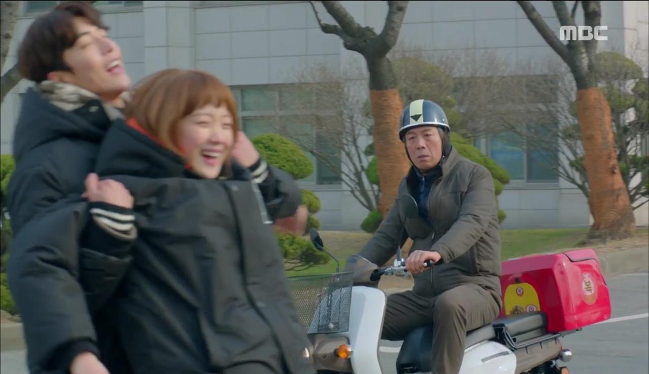 """Đến lượt cô ngố Lee Sung Kyung nếm mùi ghen tuông trong """"Tiên Nữ Cử Tạ"""" - Ảnh 30."""