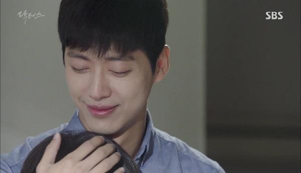 Doctors: Tí nữa thôi, Kim Rae Won – Park Shin Hye đã có cảnh giường chiếu - Ảnh 30.