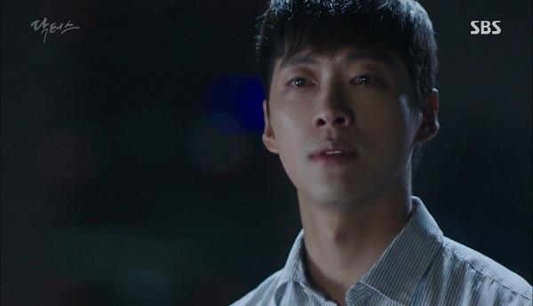 Doctors: Tí nữa thôi, Kim Rae Won – Park Shin Hye đã có cảnh giường chiếu - Ảnh 17.