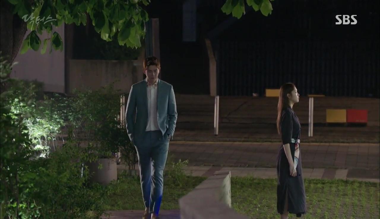 """""""Doctors"""": Vừa từ chối Lee Sung Kyung, Yoon Kyun Sang đã bị bà cô cưa cẩm - Ảnh 4."""