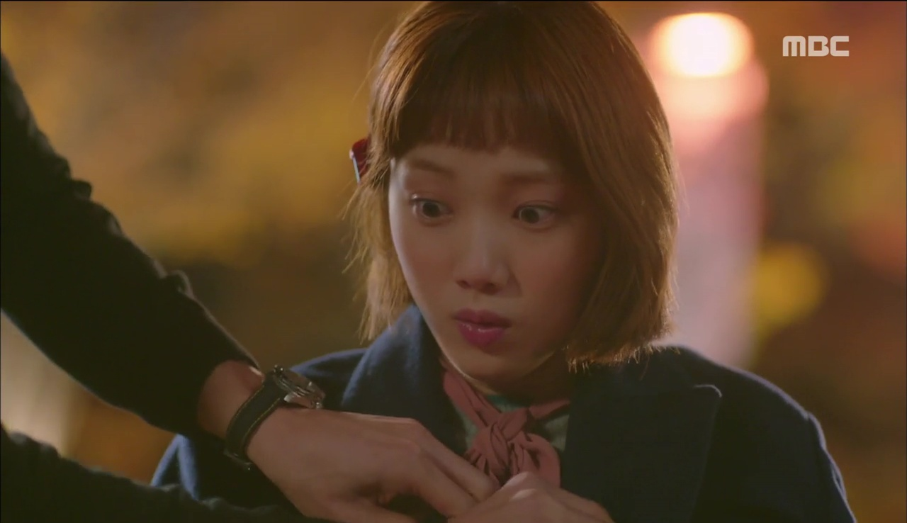 """""""Tiên Nữ Cử Tạ"""": Ngỡ được Lee Sung Kyung hôn, Nam Joo Hyuk đưa mặt hưởng thụ và nhận cái kết bất ngờ - Ảnh 1."""