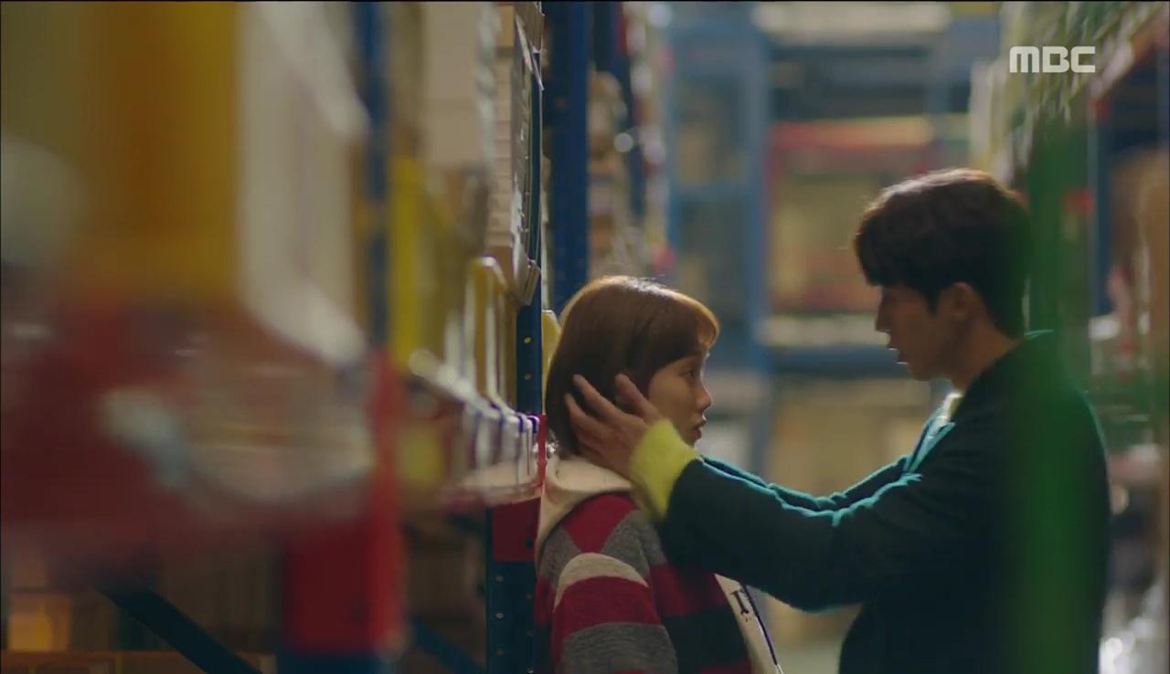 """""""Tiên Nữ Cử Tạ"""": Vì ghen, Nam Joo Hyuk hôn Lee Sung Kyung để đánh dấu chủ quyền - Ảnh 2."""