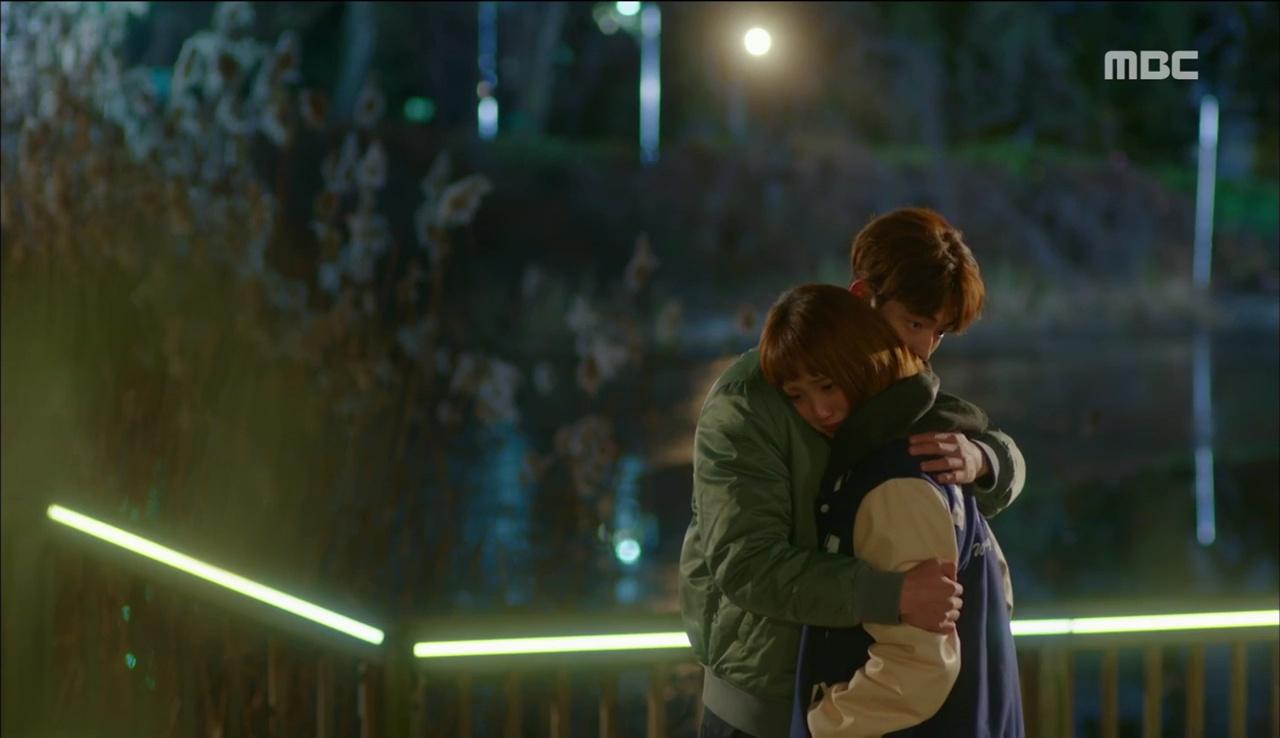 Tiên Nữ Cử Tạ: Sau tất cả, Lee Sung Kyung bật khóc nức nở trên vai Nam Joo Hyuk - Ảnh 1.