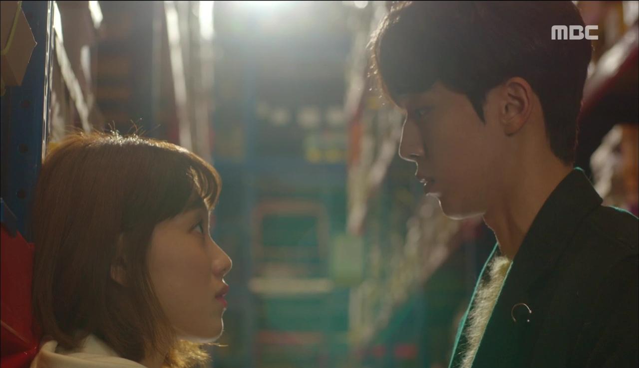 """""""Tiên Nữ Cử Tạ"""": Vì ghen, Nam Joo Hyuk hôn Lee Sung Kyung để đánh dấu chủ quyền - Ảnh 4."""
