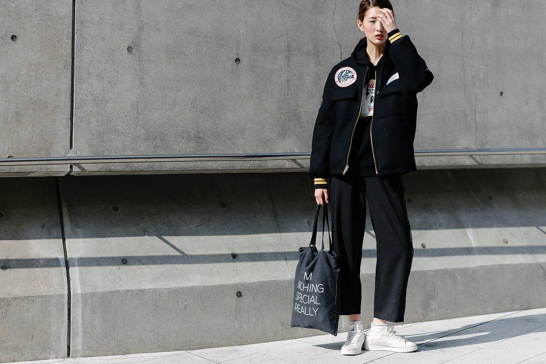 Châu Bùi & Cao Minh Thắng ton-sur-ton, Min diện quần một mất một còn tại Seoul Fashion Week ngày 3 - Ảnh 17.