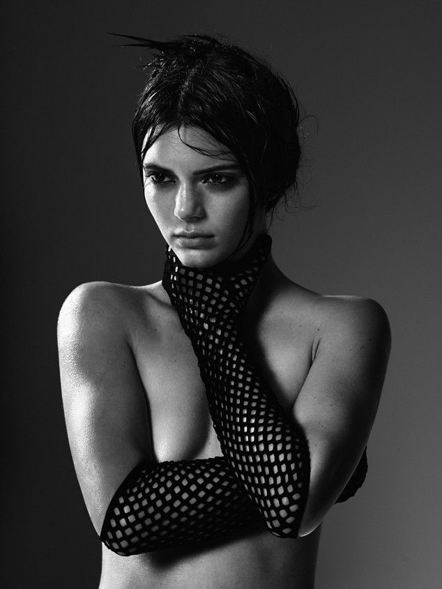 Bức ảnh này của Kendall Jenner đã không được Vogue cho lên sóng vì quá nóng - Ảnh 3.