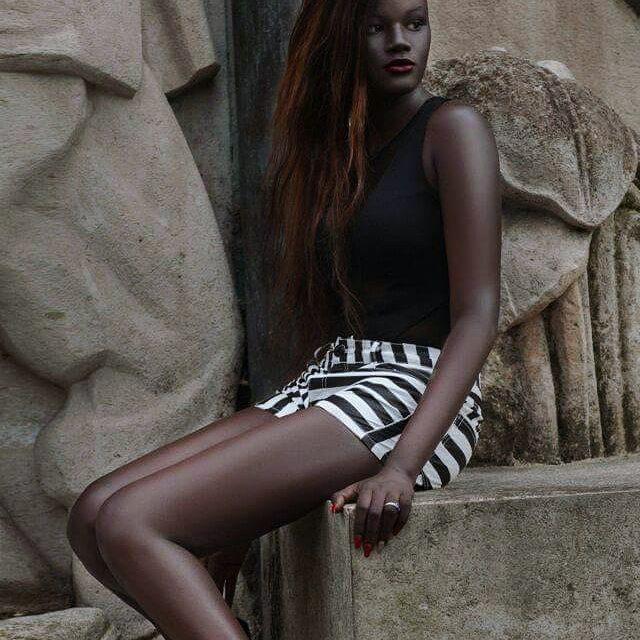 Bị bắt nạt suốt nhiều năm vì làn da sẫm màu như đồng đen, cô gái này vẫn trở thành người mẫu và tỏa sáng - Ảnh 5.