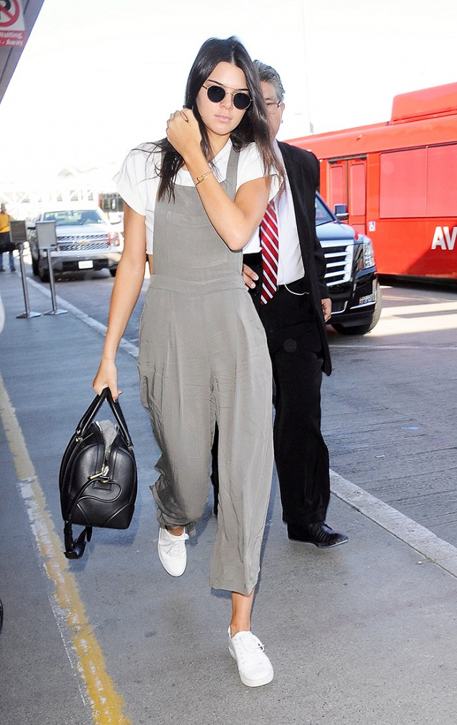 Chẳng phải Stan Smith hay Superstar, đây mới là mẫu sneaker trắng được Kendall, Gigi, Miranda mê nhất - Ảnh 7.