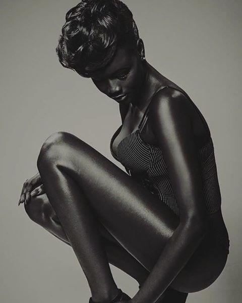 Bị bắt nạt suốt nhiều năm vì làn da sẫm màu như đồng đen, cô gái này vẫn trở thành người mẫu và tỏa sáng - Ảnh 6.