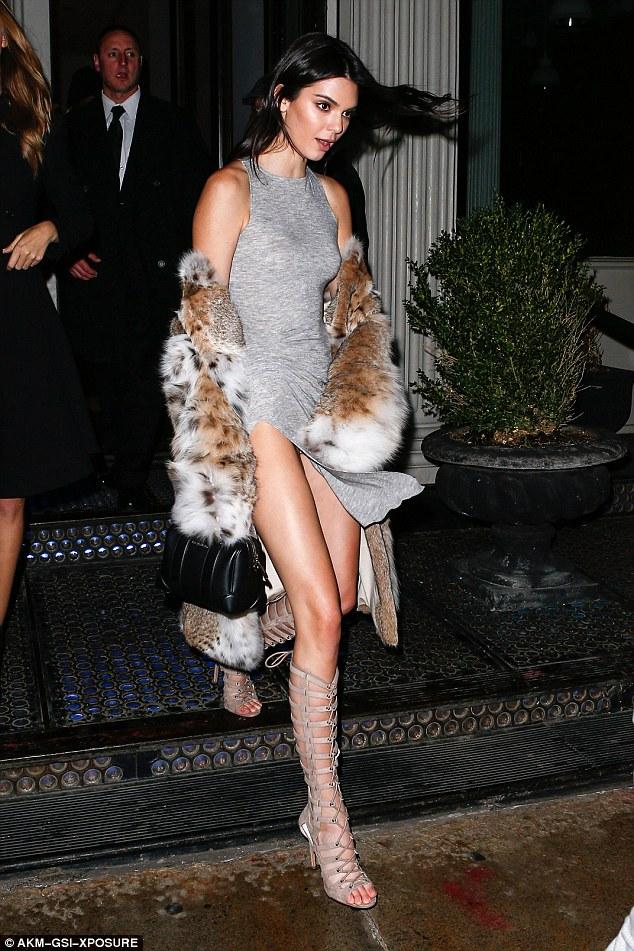Bức ảnh này của Kendall Jenner đã không được Vogue cho lên sóng vì quá nóng - Ảnh 9.