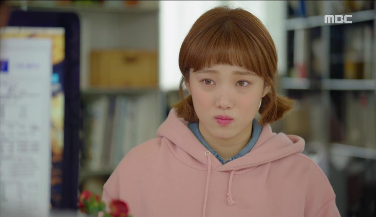 """""""Tiên Nữ Cử Tạ"""": Ngỡ được Lee Sung Kyung hôn, Nam Joo Hyuk đưa mặt hưởng thụ và nhận cái kết bất ngờ - Ảnh 10."""