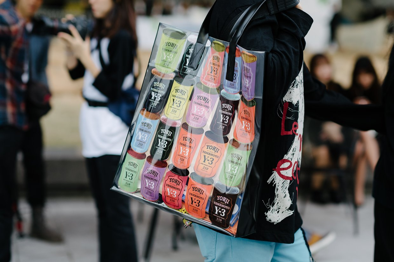 Châu Bùi & Cao Minh Thắng ton-sur-ton, Min diện quần một mất một còn tại Seoul Fashion Week ngày 3 - Ảnh 18.