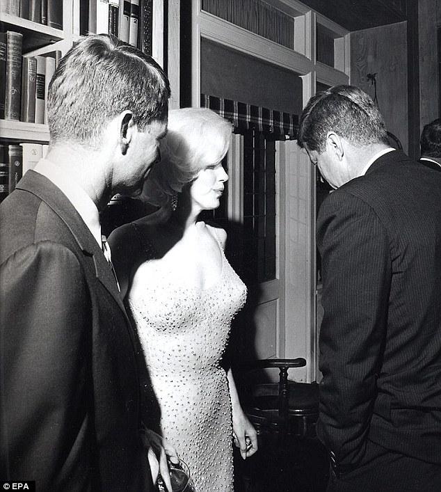 Marilyn Monroe có sống dậy cũng không tin được chiếc đầm của mình được bán hơn... 100 tỷ đồng! - Ảnh 1.