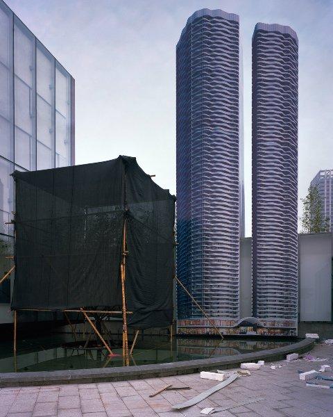 """12 bức ảnh về những """"thành phố ma"""" tại Trung Quốc - Ảnh 1."""