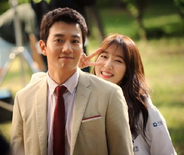 """Fan háo hức với teaser """"Doctors"""" siêu đẹp, siêu ngọt của Park Shin Hye - Ảnh 2."""