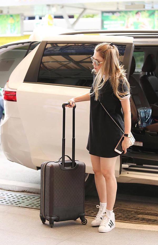 Thanh Thảo mang 200kg hành lý ra Hà Nội để phục vụ cho liveshow - Ảnh 1.