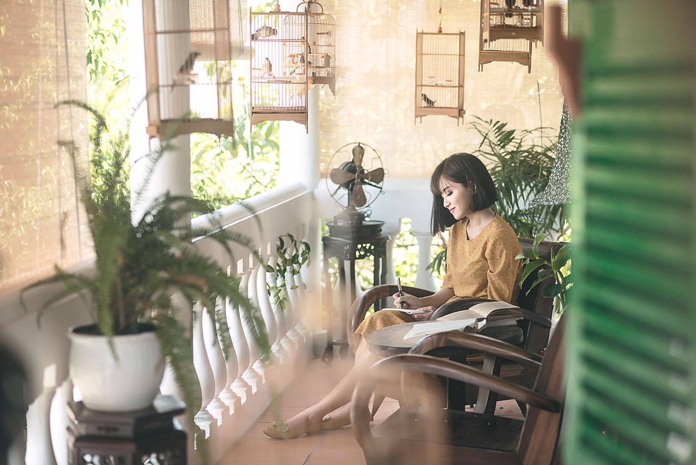 Vpop tháng 8 lại đón thêm một MV đẹp như phim điện ảnh từ Bích Phương - Ảnh 3.