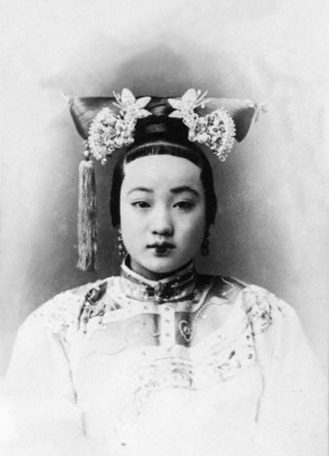 Trung Quốc: Nhan sắc xinh đẹp của 8 nàng Cách cách nổi tiếng cuối triều đại nhà Thanh - Ảnh 12.