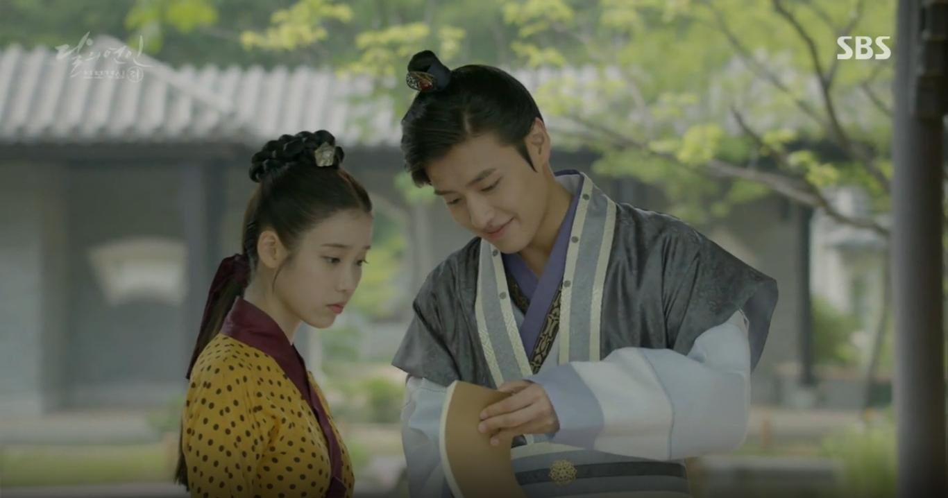 Moon Lovers: Hoàng tử Baekhyun sống chết đòi tự tử để không phải thành thân - Ảnh 32.