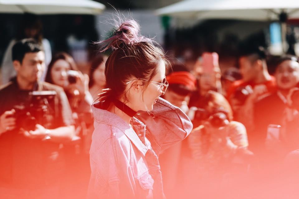 Châu Bùi & Cao Minh Thắng ton-sur-ton, Min diện quần một mất một còn tại Seoul Fashion Week ngày 3 - Ảnh 11.