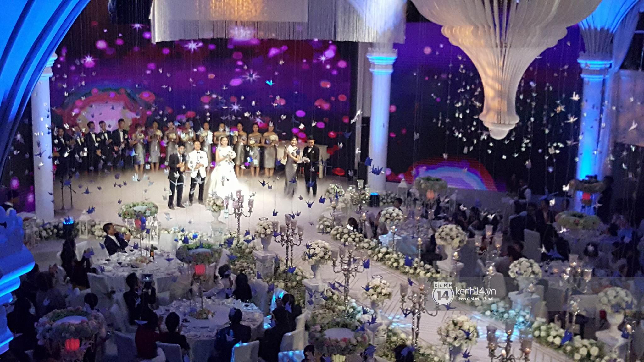 Đám cưới MC Mai Ngọc: Không gian lộng lẫy, cầu kỳ, xứng đáng là đám cưới sang chảnh nhất Hà Nội hôm nay - Ảnh 20.
